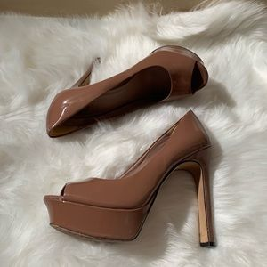Vince Camuto Size 8B Open Toe Tan High Heels
